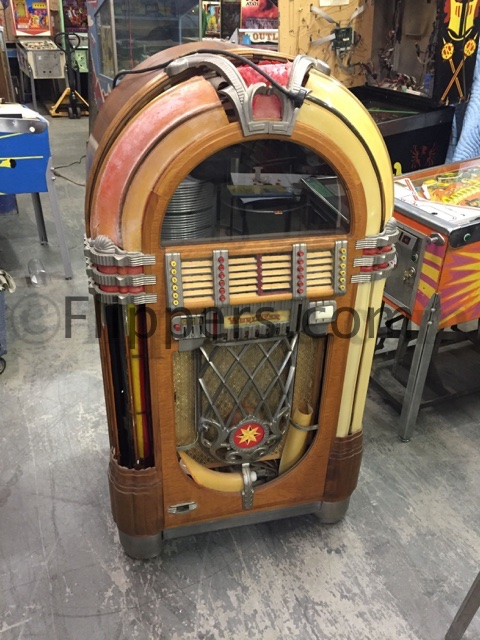 jukeboxes for sale. Black Bedroom Furniture Sets. Home Design Ideas